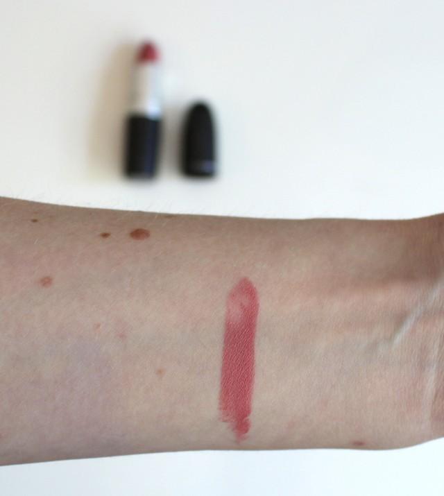 MAC Matte Lipstick Please Me