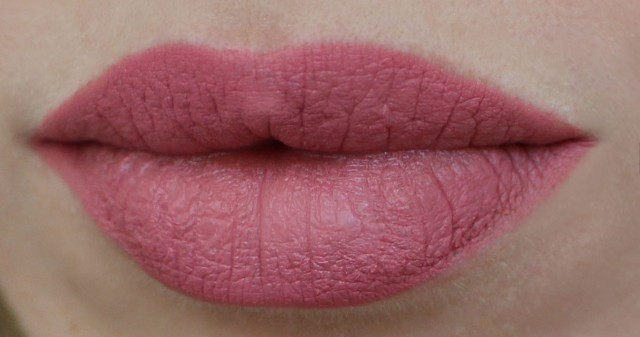 MAC Matte Lipstick Please Me