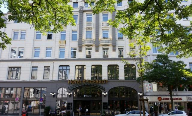 Reichshof Hamburg Curio XL Room -9
